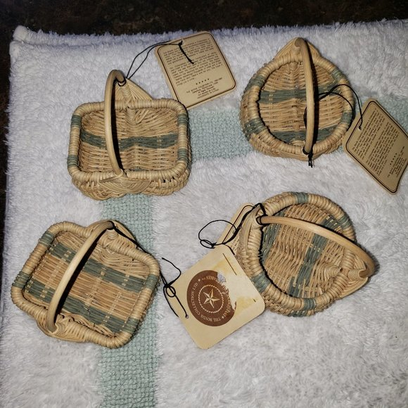 4 Boyds Bears Small Baskets Cream/Green Stripes